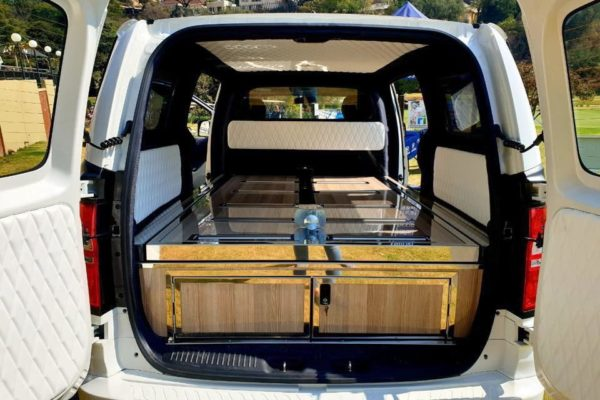 Hyundai H1 hearse (2)